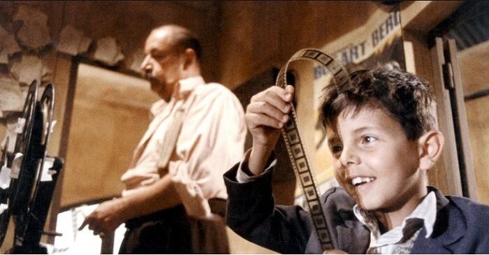 映画「ニューシネマパラダイス」から少年トトと映写技師のアルフレード