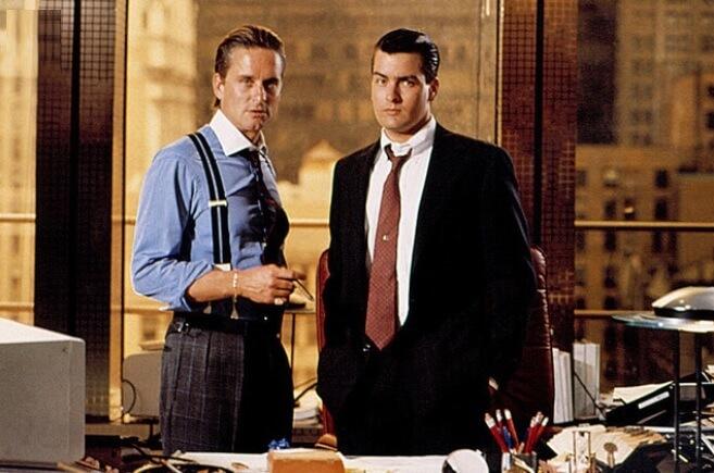 映画「ウォール街」主役のマイケル・ダグラスとチャーリー・シーン